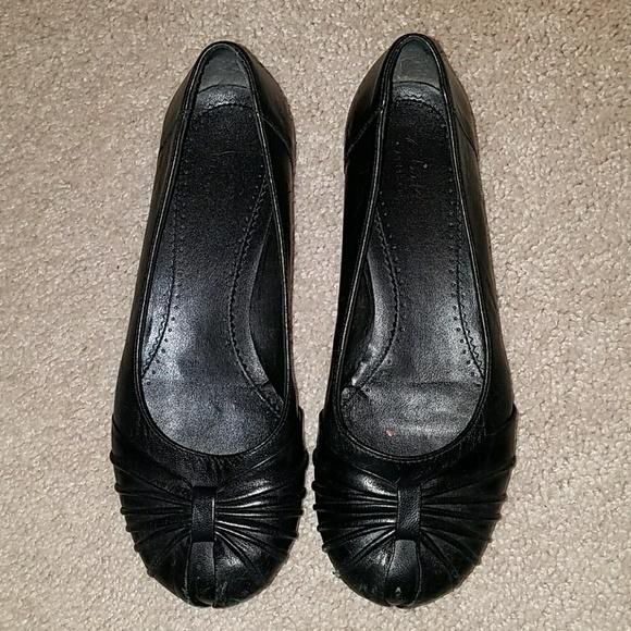 211be2bdf8c Clarks Shoes - Clarks Artisan Ballet Flats 6.5